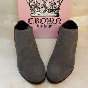 Crown Vintage Womens Tabitha Suede Ankle Bootie